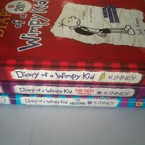 DAIRY OF A WIMPY KID BOOK SET